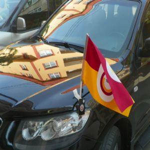 Araç Aparatlı Bayrak